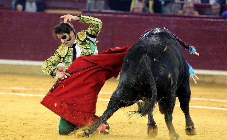 Un toro arranca el cuero cabelludo a Padilla en una brutal cogida