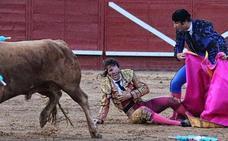 Un toro arranca el cuero cabelludo a Juan José Padilla en una brutal cogida