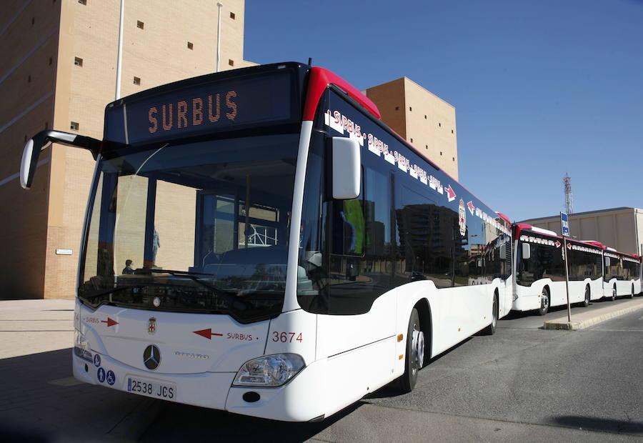 Movilidad inicia reuniones de trabajo con la UAL para mejorar el autobús