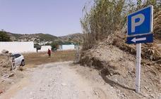 La Herradura acaba con sus problemas de aparcamiento con 800 plazas en descampados