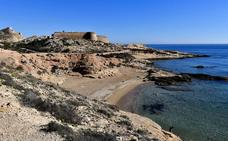 El castillo que 'heredó' un bloque de vecinos de Cenes