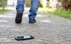 El móvil perdido en Granada que se ha hecho viral en Twitter. «¿Se te ha caído a ti?»
