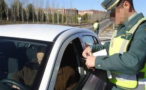 De 2 a 6 puntos y más de 200 euros de multa: las 20 infracciones que persigue la DGT