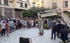 Vecinos toman la plaza Deán Mazas en protesta por las obras de remodelación