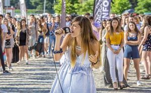 Colas interminables para entrar en 'OT': miles de personas cantando en la calle