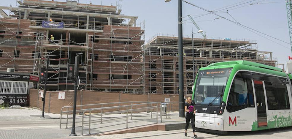 El mercado inmobiliario de Granada gana fuerza: ya se venden treinta viviendas cada día