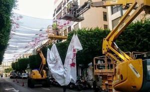 El Ayuntamiento no pondrá ya los toldos en el Paseo hasta que no llegue la Feria