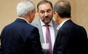 Ábalos mantendrá la inversión en AVE planeada por el PP y promete empujar el tren del Levante