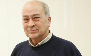 El periodista de IDEAL, Joaquín Tapia, recibe hoy la Cruz al Mérito Militar