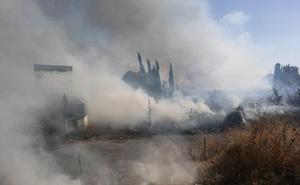 El área metropolitana de Granada registra tres incendios en menos de una hora