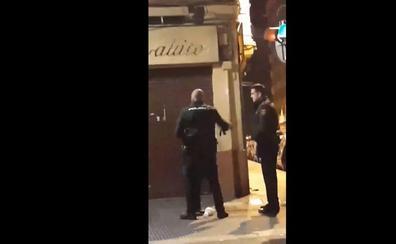 Cuatro días sin sueldo para el policía que propinó una bofetada a una mujer en plena calle