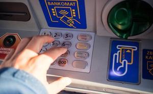 El bulo del cajero y la tarjeta de crédito para llamar a la Guardia Civil
