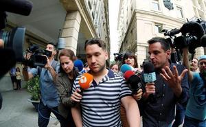 'El Prenda' critica el cierre de su club de fans en Facebook: «La viva imagen de la democracia»