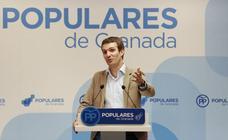 Casado rechaza el vídeo contra Santamaría y dice desde Granada «partirse la cara» por sus compañeros