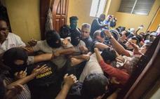 Dos jóvenes muertos en la brutal represión policial a los estudiantes en Nicaragua