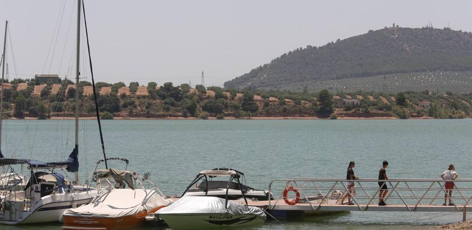 Los pantanos de Granada, un 70% más llenos que el verano pasado