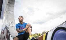 «La gente se queja mucho»: Juan Miguel Esteban corre maratones y 'ironman' tras diez años en la cárcel