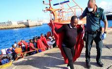 Más de 850 inmigrantes rescatados frente a las costas andaluzas el fin de semana