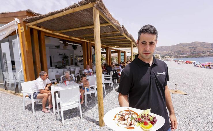 Los diez chiringuitos a pie de playa que no puedes perderte en Granada provincia
