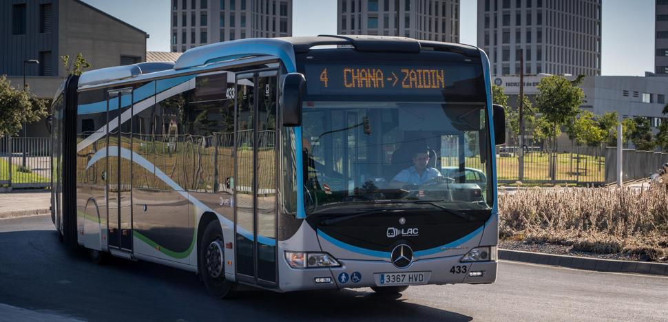 Las nuevas líneas de autobús arrancan entre la satisfacción del gobierno municipal y las dudas de viajeros y oposición