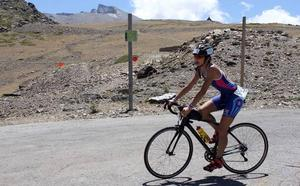 Sierra Nevada recupera su triatlón, considerado uno de los más duros del mundo