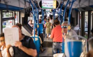 Primer día sin incidentes de las nuevas líneas de autobús de Granada