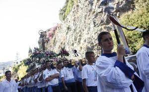 La Virgen del Carmen bendice a los marineros sexitanos