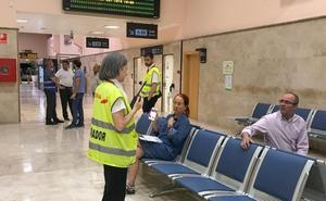 Retrasos de otros cuatro vuelos en el aeropuerto, «por motivos meteorológicos»