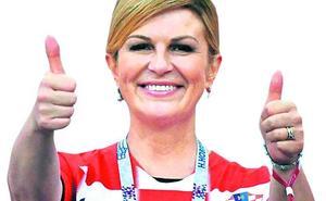 Así es la presidenta de Croacia, una ferviente católica que pagó de su bolsillo los viajes al Mundial de Rusia