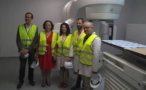 La maquinaria donada por Amancio Ortega estrena búnker en Torrecárdenas