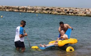 De la residencia a la playa para disfrutar del mar de Torrenueva