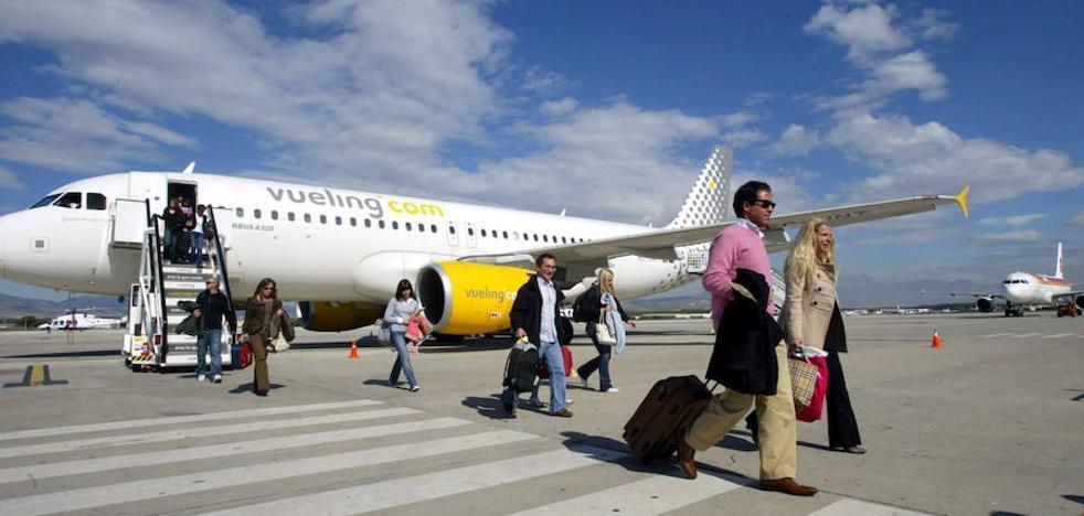 Nuevo retraso: el último vuelo a Barcelona saldrá de Granada pasada la medianoche