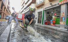 Restablecen el servicio tras siete horas sin agua por una fuga en San Antón