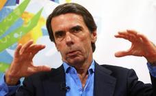 Aznar elude pronunciarse por Casado o Santamaría y desea que el PP «acierte»