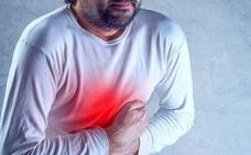 El error al comer que te provoca acidez de estómago: así lo puedes solucionar