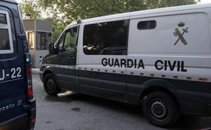 Dos hombres con más de 100 antecedentes dan una «brutal paliza» a una mujer en Chirivel
