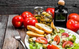 La dieta mediterránea y el Aceite de Oliva en peligro por los jóvenes