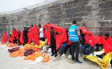 Rescatados 131 inmigrantes, varios menores, en aguas del Estrecho
