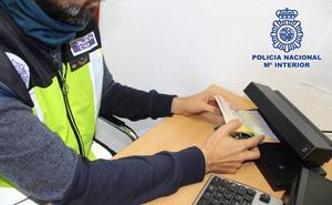 Detenidas en Almería 31 personas por participar en una red de matrimonios de conveniencia con extranjeros