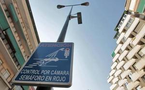 La Policía Local revela la única cámara de Granada que te multa si vas en moto