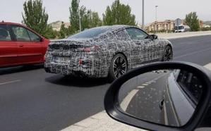 ¿Qué esconde realmente este misterioso coche que circula por Granada?