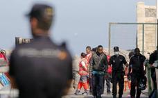 Llegan a Almería 156 personas rescatadas de tres pateras en Alborán