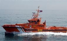 Rescatadas 156 personas, entre ellas 30 mujeres y seis niños, de tres pateras en el Mar de Alborán