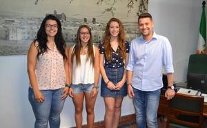 Torreperogil premia a sus mejores alumnas con un curso de inglés en Liverpool
