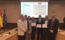 Los profesores Javier Llorens y Valentín Molina, Premios Santander de Investigación sobre Responsabilidad Social Corporativa