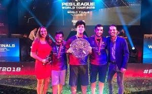 El granadino Álex Alguacil gana en pareja el Mundial de un videojuego sobre fútbol