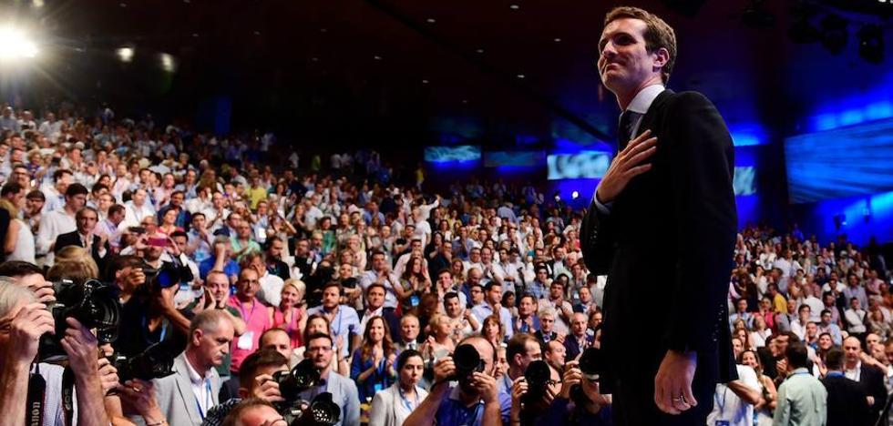 Casado hará secretaria general a una mujer y presentará su cúpula en Cataluña
