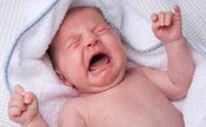 Los bebés menores de un año que viajen a países de la UE deben vacunarse de sarampión por una epidemia