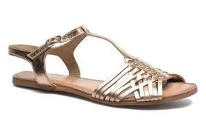 Las elegantes sandalias que están de moda este verano