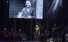 Miguel Poveda revive con los almerienses el legado artístico y humano de García Lorca